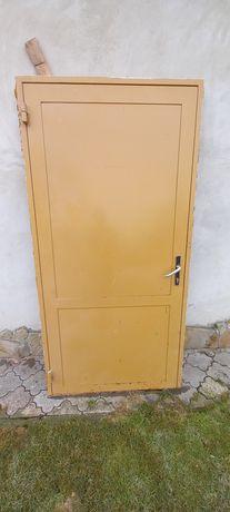Двері металеві броньованв