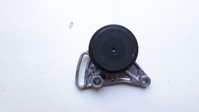 Ролик натяжитель компрессора кондиционера Audi A4 A6 Passat B5 Superb