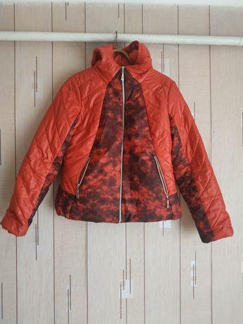 Продам новую курточку осенью
