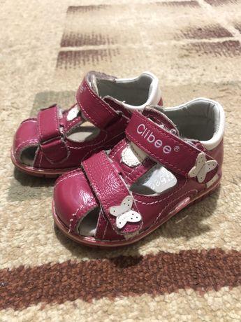 Босоножки,  19 р-р сандали клибе Clibee