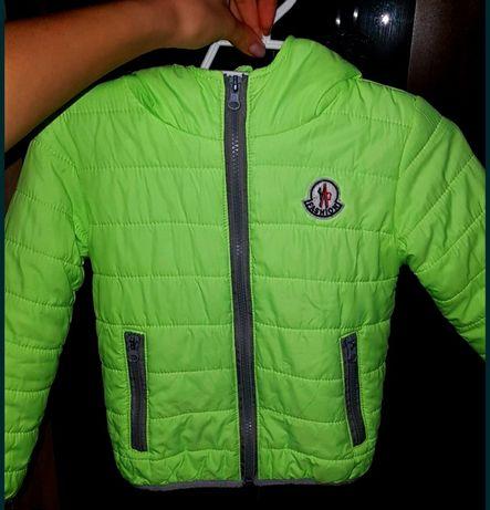 Деми курточка 104р.