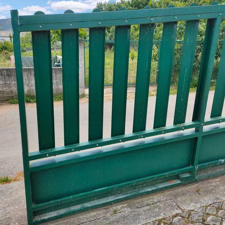 Portão em Ferro verde
