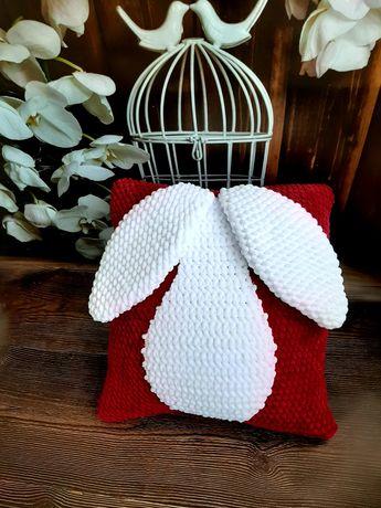 Плюшевая подушка-зайка