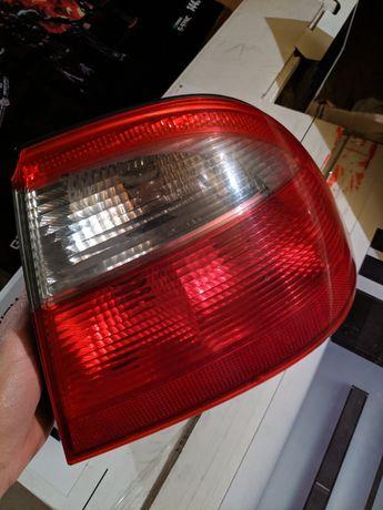 Lampa tylna zewnętrzna Saab 9-5 sedan Prawe, zewnętrzna, wewnętrzna