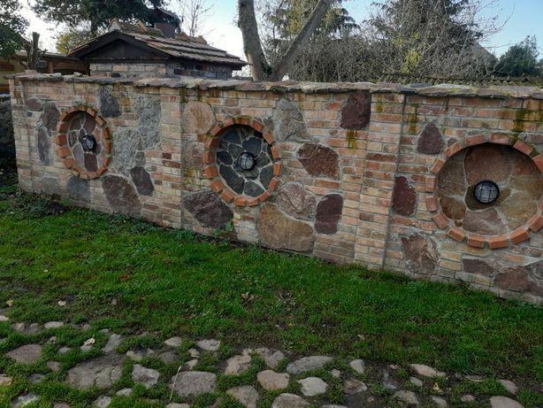 Płot ogrodzenie Gambiony kamienie stara cegła