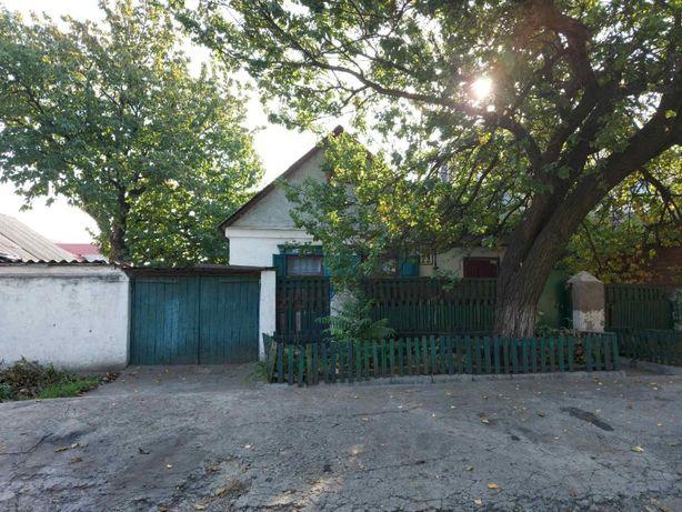 Продам дом на 4,5 сот. в одном из центральных районов города.