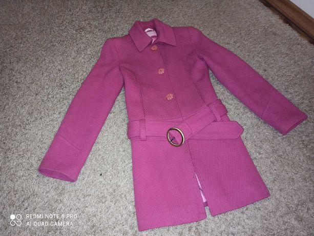 Пальто с поясом размер 42 деми демисезонное яркое малина весна/осень