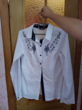 шкільна біла блузка