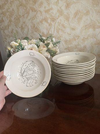Набор глубоких тарелок 6 шт и салатников 12 штук