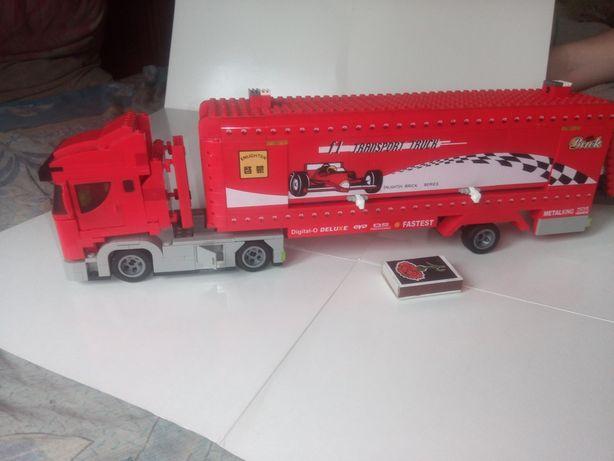 Конструктор  лего Ferrari Грузовик
