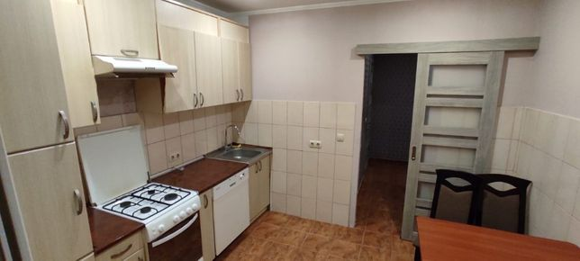 Терміновий Продаж 1 кім кварт 40 м2 з євроремонтом та меблями ,Івасюка