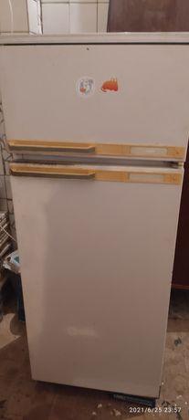 Продам Холодильник Минск 15 м