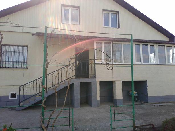 Продам дом-котедж в пригороде Кривого Рога