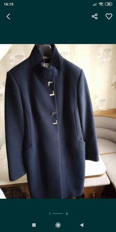 Пальто кашемировое, новое, состояние идеальное+ шарфик в подарок