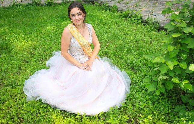 Платье выпускное(можно использовать как свадебное)