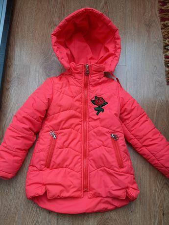Демисезонная курточка/куртка на девочку 98-104 рост