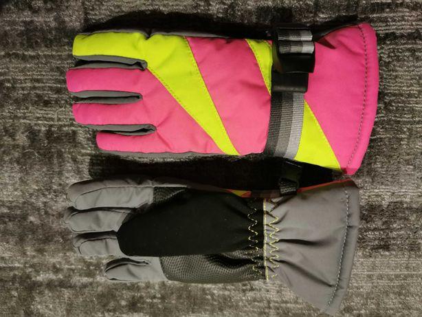 Rękawiczki narciarskie na około 4 lata