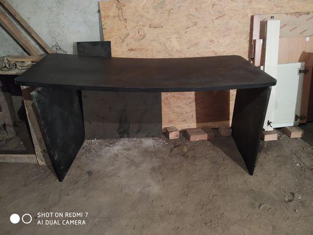 Продам офисный стол 3000р.