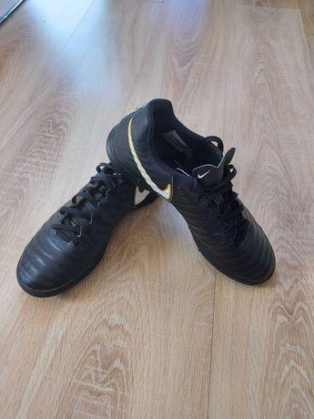 Buty piłkarskie Nike Tiempo roz. 41