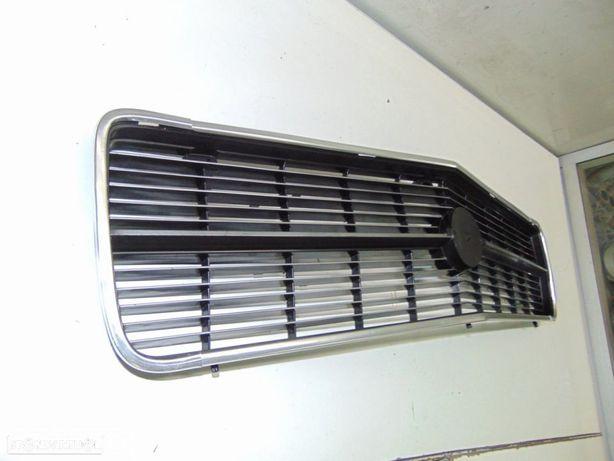 Opel Rekord D ou Comodore B com grelha da frente NOVA