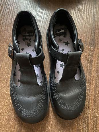 Кожаные туфли ,лоферы ,слипоны