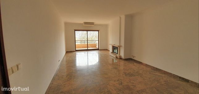 Apartamento T3 para arrendar na Avenida 25 de Abril - Cascais