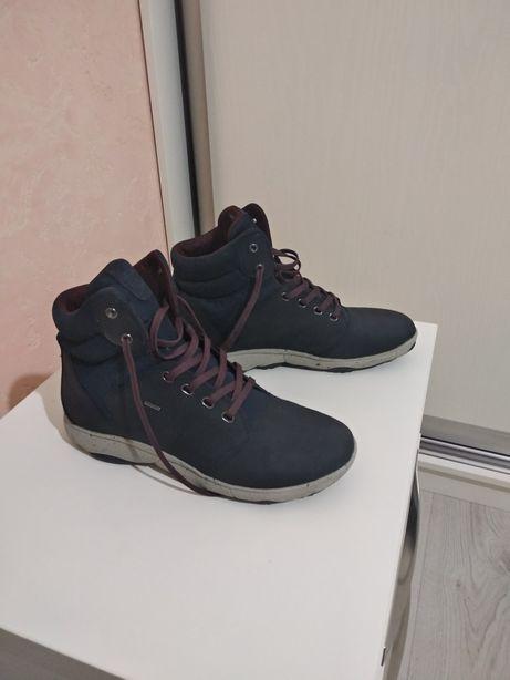 Новые демисезонные ботинки Geox 40р