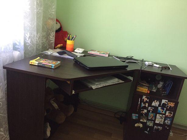 Столик компютерний