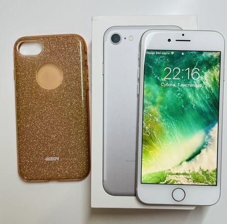Iphone 7 32Gb Официал + наушники+ чехол