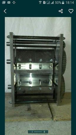 Усиленный веткоруб-измельчитель веток. Диаметр ветки 120ММ.