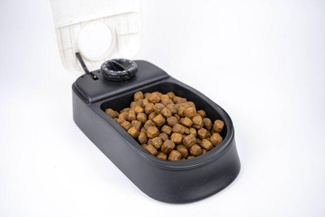 Автоматическая кормушка для кошек и собак Trixie 300 мл