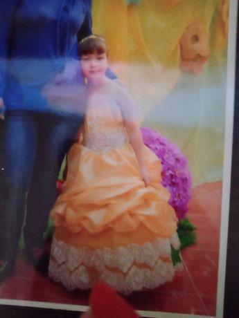 Платья на утренник ( выпускной ) золотое рост 110 см возраст с 5 до 8