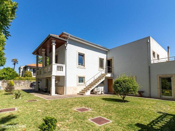 Moradia Praia de Francelos - 3 Apartamentos Renovados