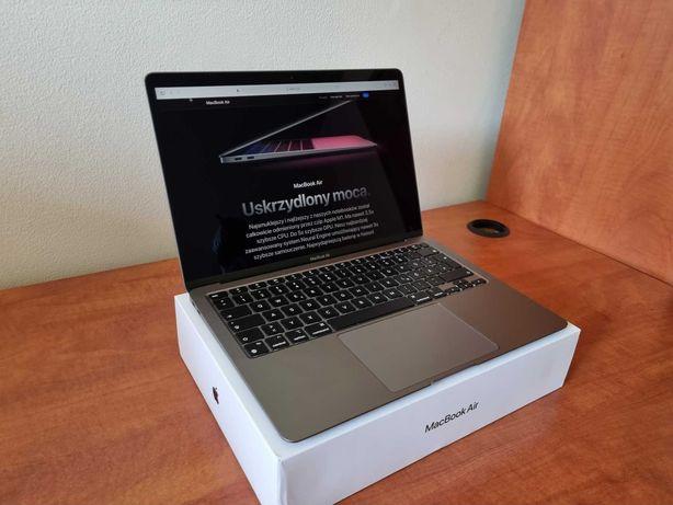 MacBook Air M1 8/256GB, stan idealny.