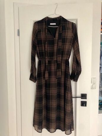 Sukienka czarna do połowy łydki kratka wiązana przy szyji Reserved 36