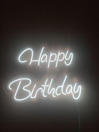 Неоновая вывеска Happy Birthday