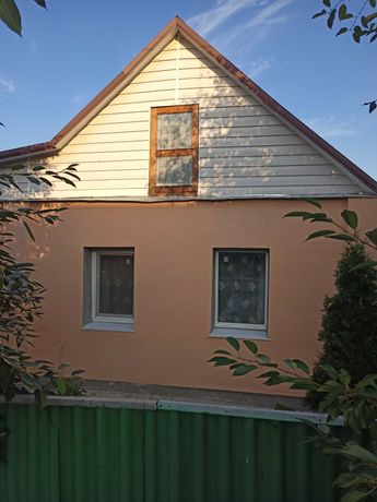 Продам дом в п.г.т Великий Бурлук  ул весенняя 122