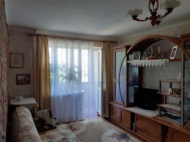 Продажа 2-х комнатной квартиры в центре .