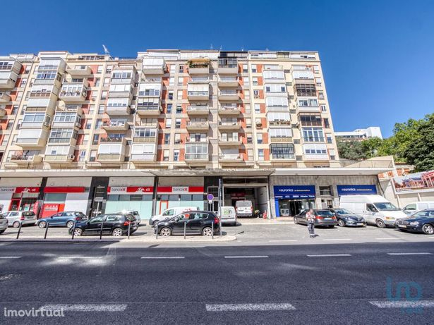 Apartamento - 104 m² - T4