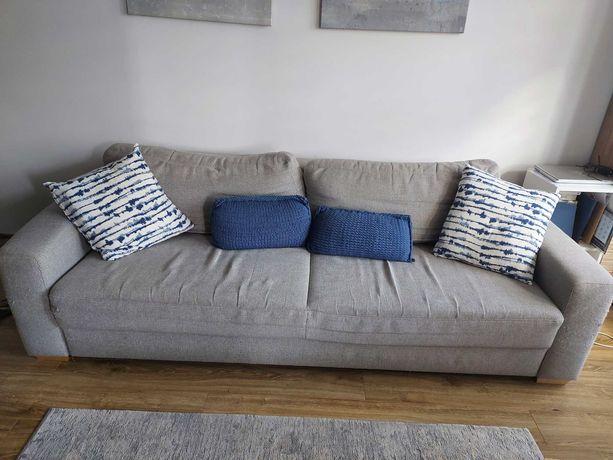 Szara rozkładana kanapa