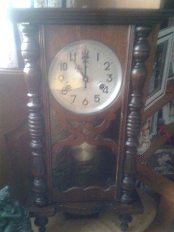 Relogio antigo em madeira