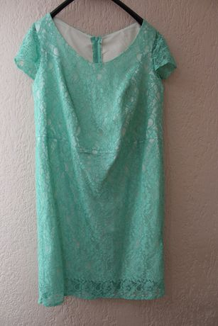 Koronkowa sukienka 44