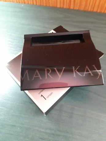 Футляр для теней или  румян MaryKay