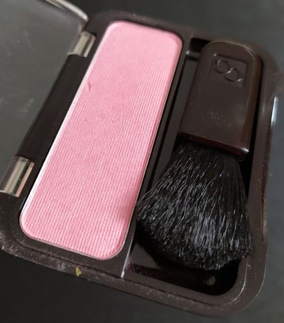 Розовый фламинго блашер румяна Cover Girl есть Clinique L'Oréal