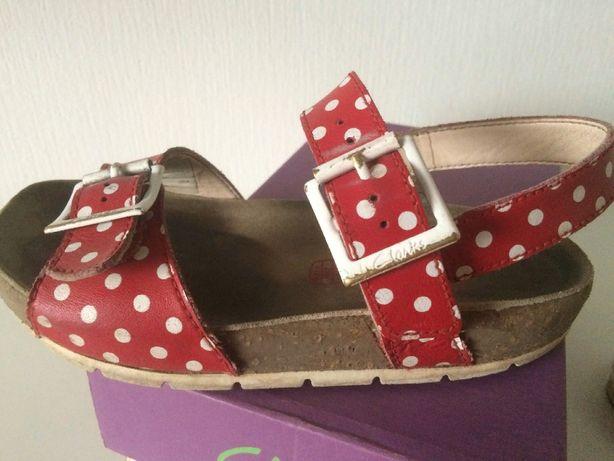 Босоножки кожаные детские туфельки тапочки для девочки