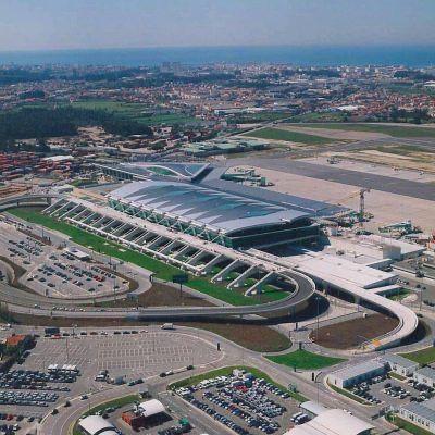 Parque de Estacionamento a 1500m do aeroporto do Porto VIGIADO 24H