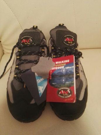 Sapatos/tênis professionais, Sympatex 37.