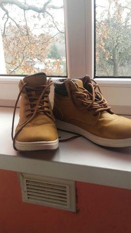 Buty męskie sznurowane