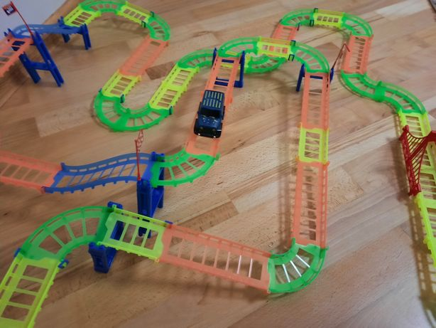 Дорога Трек Magic Tracks з машинкою