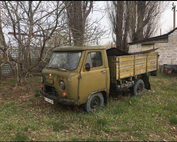 УАЗ с кузовом и кабиной на 2 места